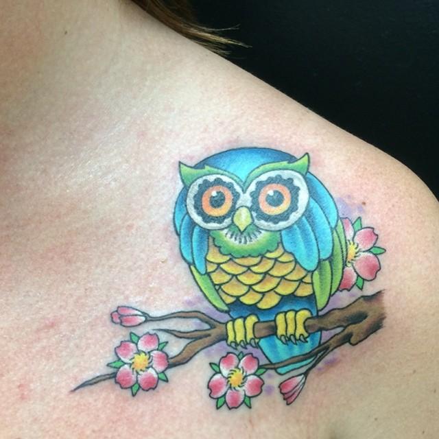 Owl by Matt Stankis #northsidetattoosdotcom #northsidetattoos #nst #mattstankis #tattoo #owl #tattoosforwomen #delaware #nofilter
