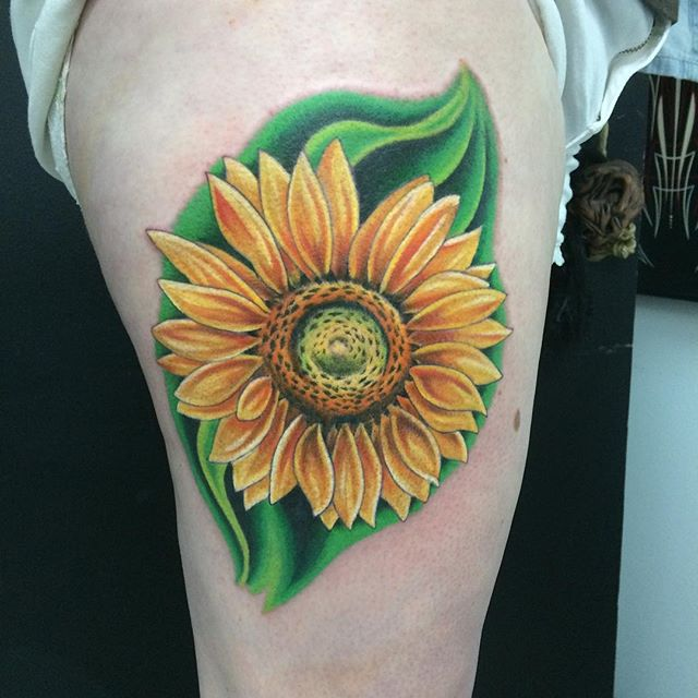 Sunflower by Matt Stankis #northsidetattoosdotcom #northsidetattoos #northsidetattoo #mattstankis #tattoo #tattoosforwomen #sunflowertattoo #sunflower #colortattoo #eternalink #wilmingtonde #delawaretattoo #delaware