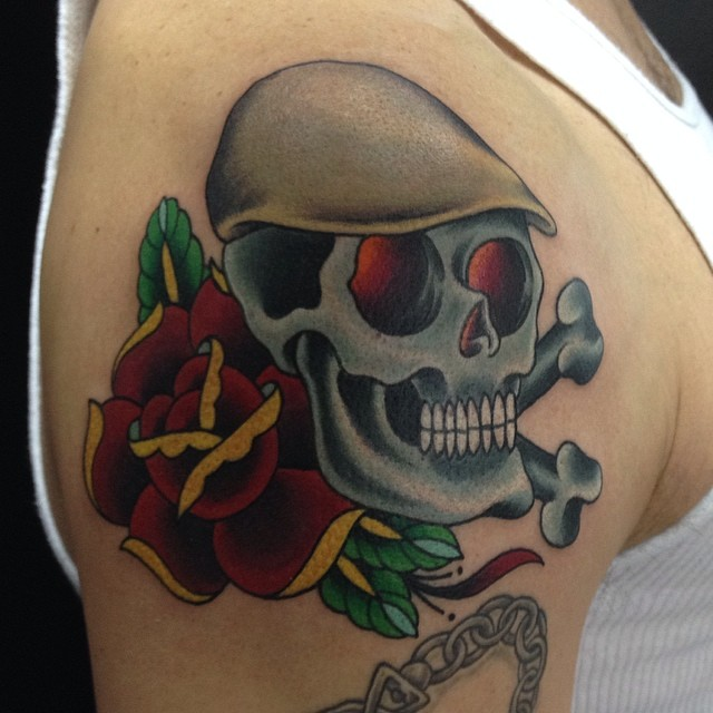 Got this fun one to start off my Friday. Old school skull and rose by Matt. #northsidetattoosdotcom #rosetattoo #skulltattoo #tattoo #northsidetattoos #mattstankis