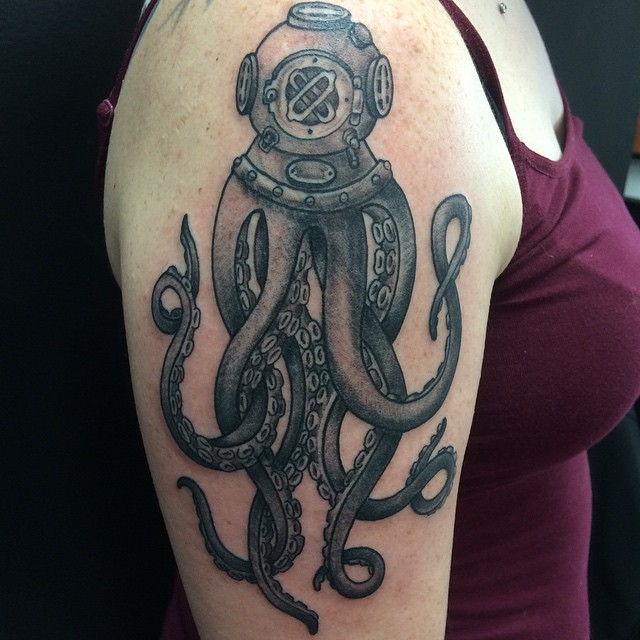 Octopus tattoo by Matt Stankis from a design client brought in, unknown illustrator. #northsidetattoosdotcom #northsidetattoos #northsidetattoo #nst #tattoo #tattoosforwomen #tattooedgirls #blackandgrey #octopustattoo #divertattoo #octopus #diver #illustrativetattoo #mattstankis #wilmingtonde #delaware